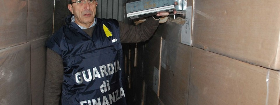 """GDF. Smantellata consorteria cinese del falso """"Made in Italy"""""""