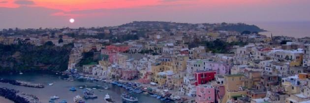 Procida – Martedì 18 agosto alle ore 19.00 in P.zza Marina Grande il Sindaco incontra i Turisti dell'isola