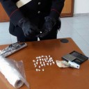 Torre del Greco: in casa di 23enne dosi di marijuana per lo spaccio. In auto noccoliera e mazza da baseball. Carabinieri lo arrestano