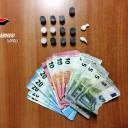 Arzano: giovane arrestato per detenzione a fini di spaccio di hashish e marijuana; addosso aveva anche banconote false