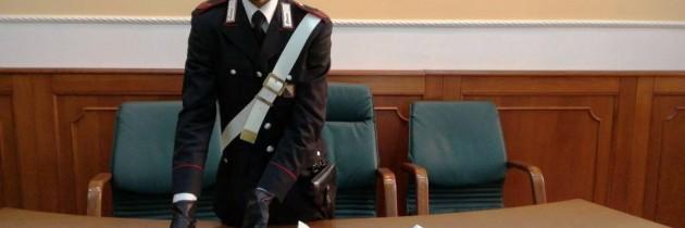 Quarto: pistola e targhe adesive false sotto il sedile di una Punto
