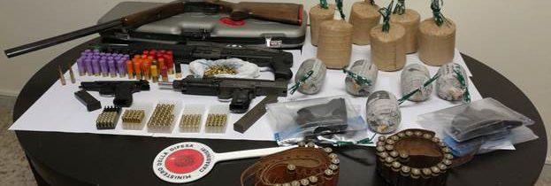 Mondragone, fabbricato abbandonato pieno di munizioni armi ed esplosivi